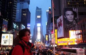2008-10-25 (Eli a Times Square)