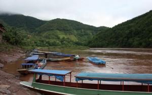 2009-08-18 (vaixells Muang Khua)