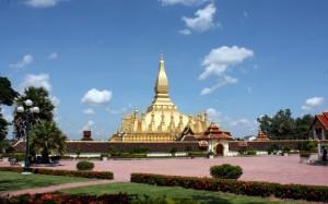 2009-08-27 (stupa Vientiane)