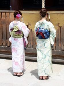 2015-08-10 (noies tradicionals)