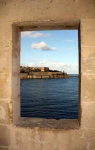 2016-11-20 (finestra de la torre vigia de Senglea)